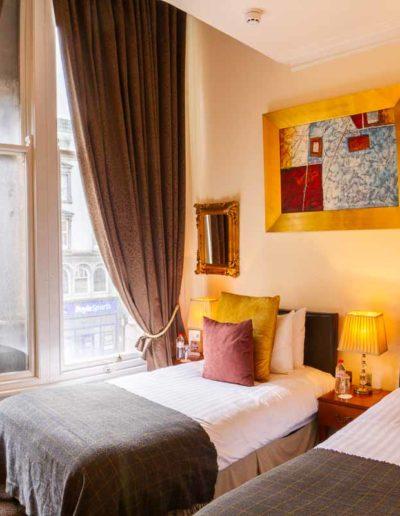 Deluxe twin rooms in Dublin Citi Hotel